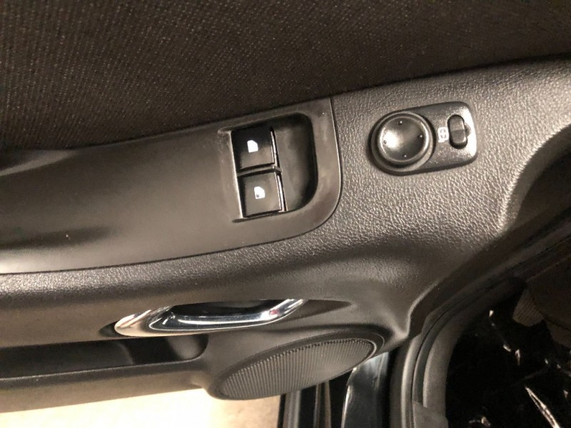 Chevrolet Camaro 2011 price $14,890