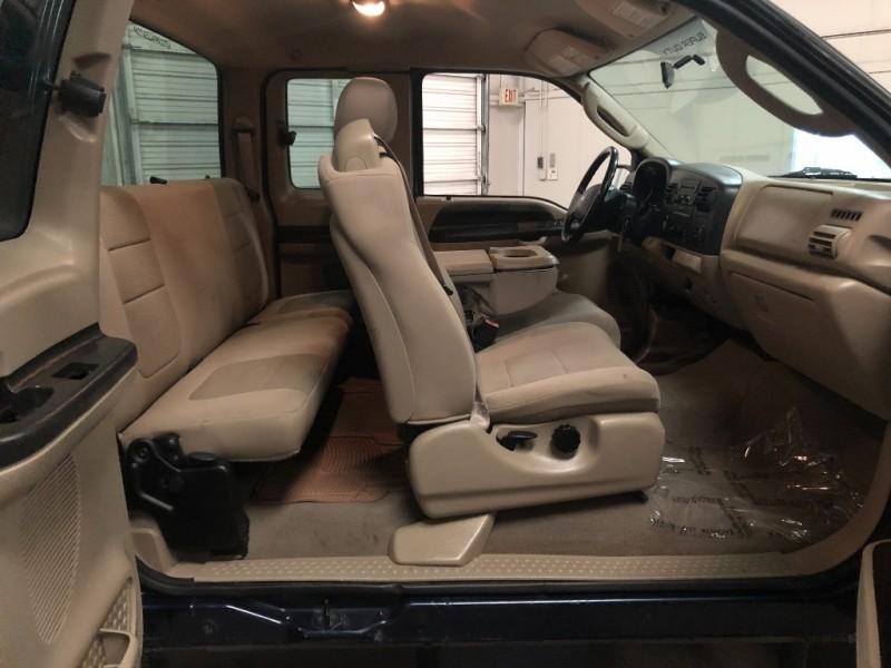 Ford Super Duty F-250 2005 price $7,990