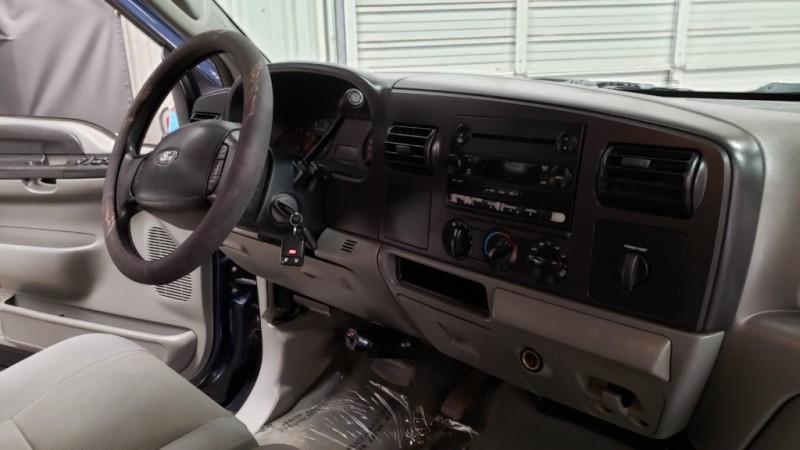 Ford Super Duty F-350 DRW 2005 price $11,990