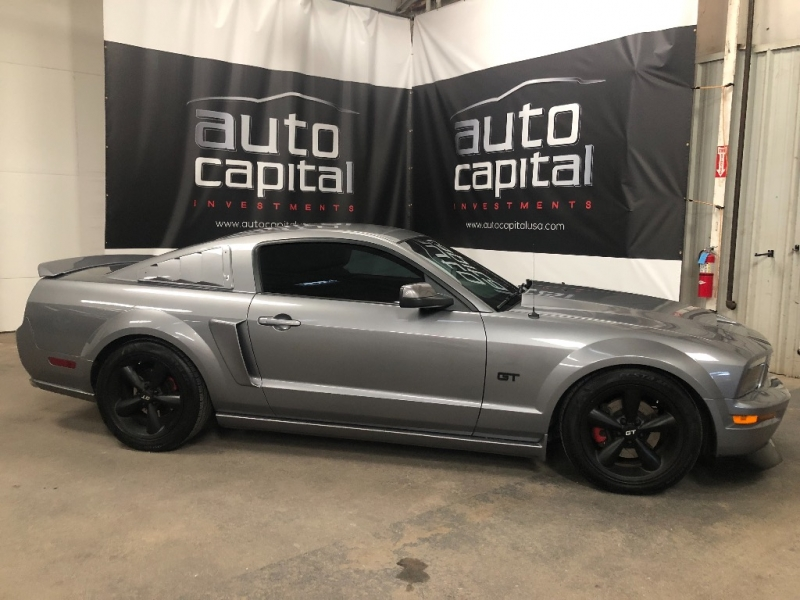Ford Mustang 2006 price $10,990