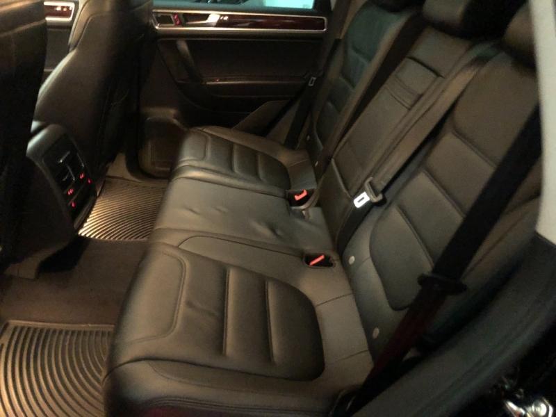Volkswagen Touareg 2011 price $13,590