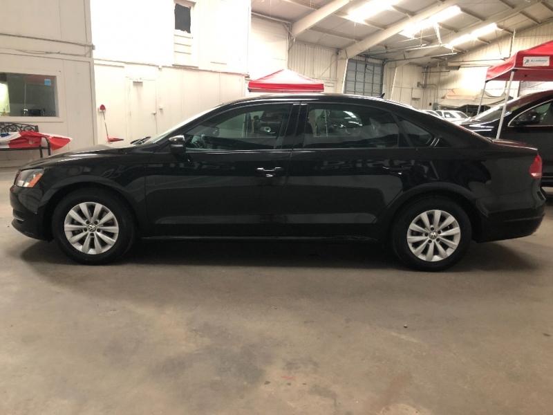 Volkswagen Passat 2013 price $7,090