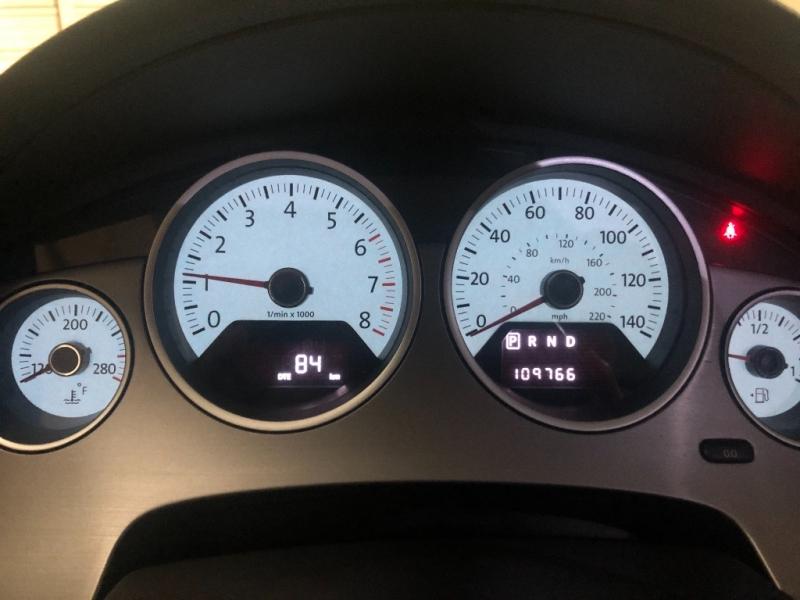Volkswagen Routan 2011 price $8,490