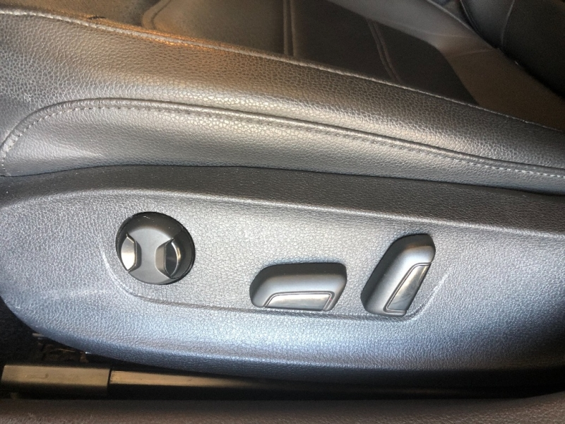 Volkswagen Passat 2014 price $8,990