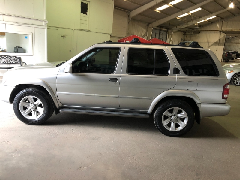 Nissan Pathfinder 2003 price $4,990