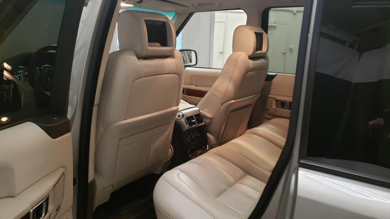 Land Rover Range Rover 2010 price $14,990