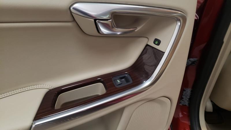 Volvo S60 2013 price $8,990