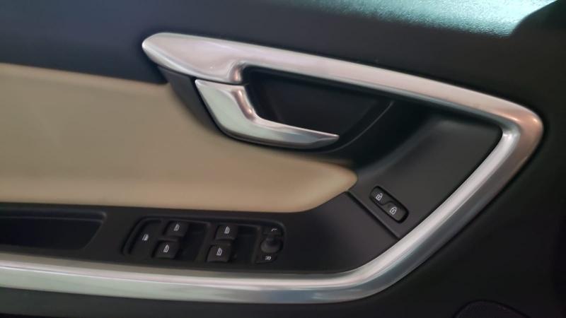 Volvo S 60 2017 price $12,990