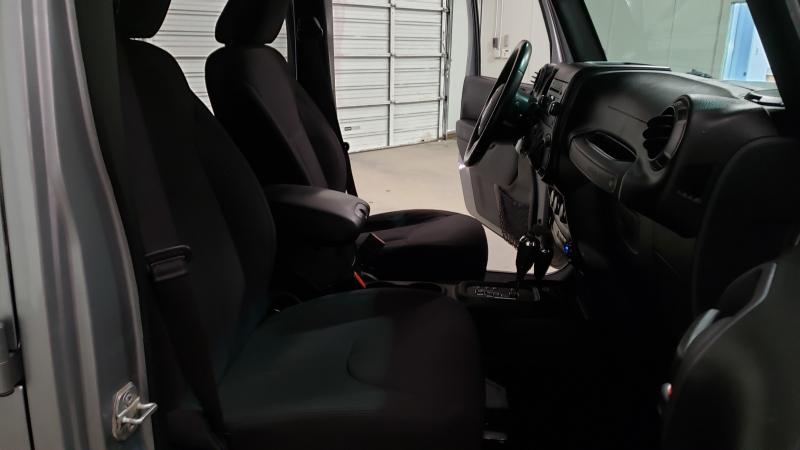 Jeep Wrangler Unlimited 2015 price $19,990