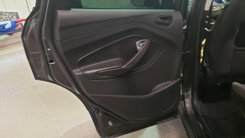 Ford Escape 2017 price $12,990