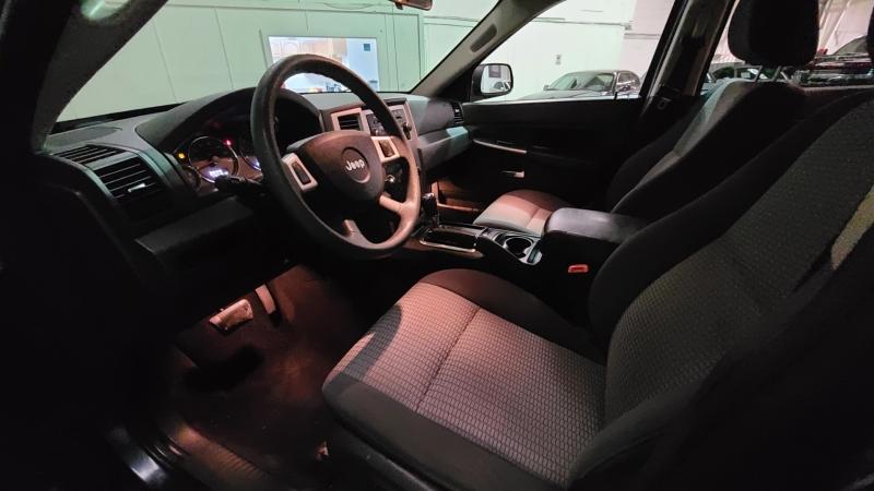 Jeep Grand Cherokee 2010 price $8,990