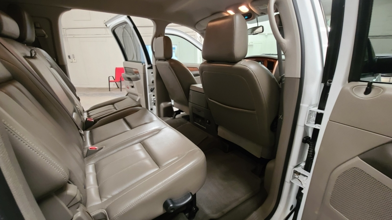 Dodge Ram 3500 2006 price $25,990
