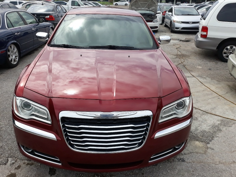 Chrysler 300 2012 price $8,450