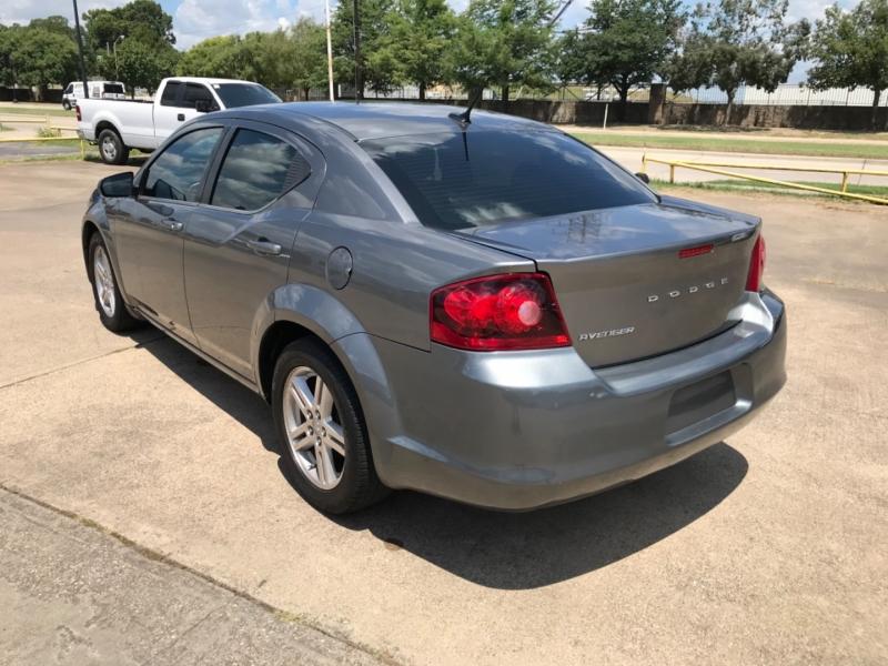 Dodge Avenger 2012 price $3,995 Cash