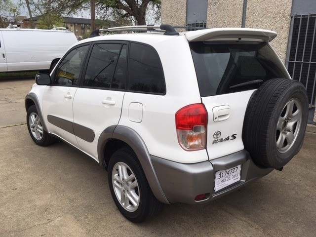 Toyota RAV4 2003 price $4,799