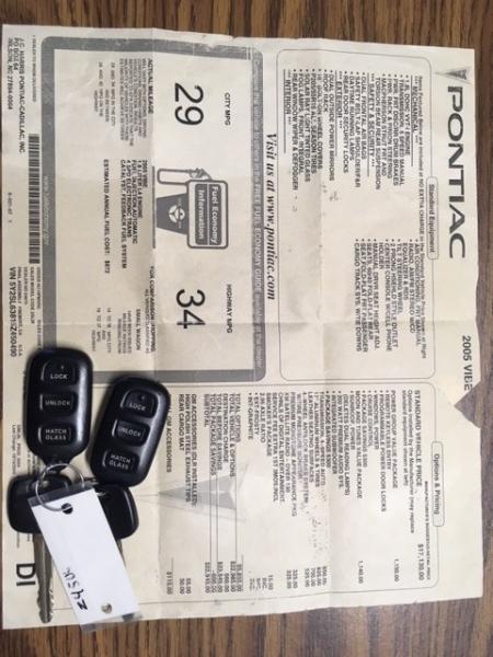 Pontiac Vibe 2005 price $3,497