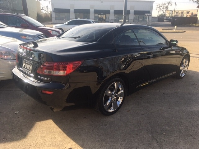 Lexus IS 250C 2012 price $17,486