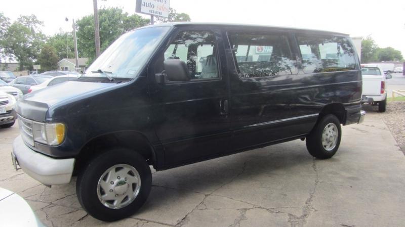 Ford Econoline Wagon 1995 price $3,996