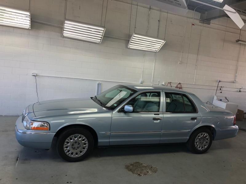 MERCURY GRAND MARQUIS 2004 price $2,500