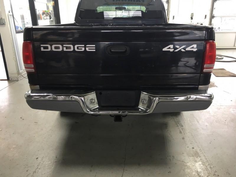 DODGE DAKOTA 2000 price $3,200