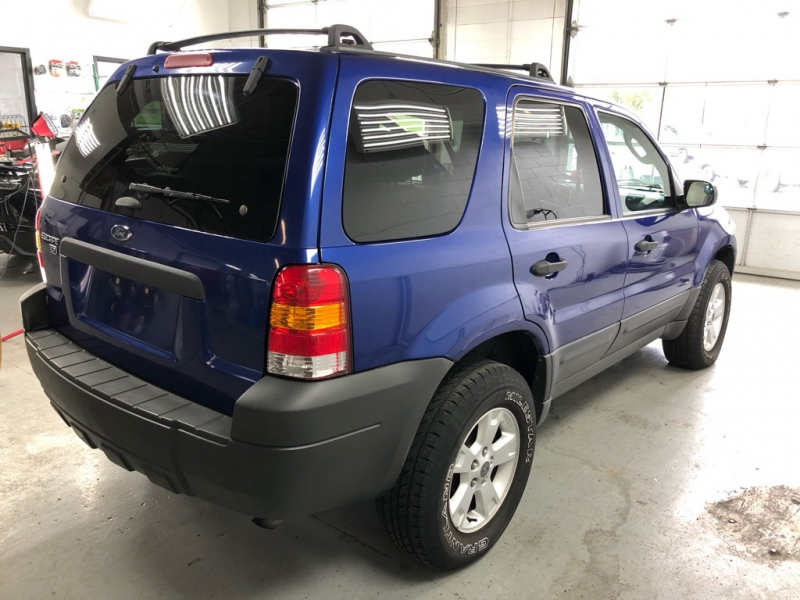 FORD ESCAPE 2005 price $2,950