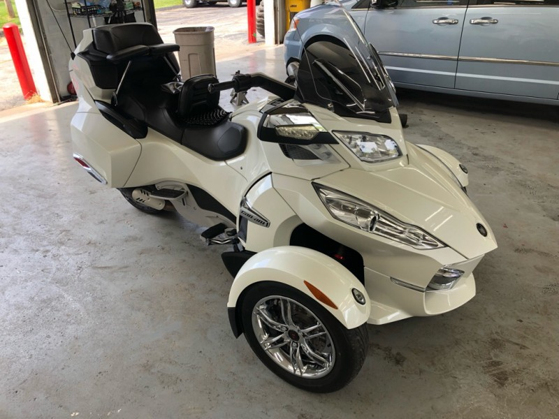 CAN-AM SPYDER 2012 price $10,999