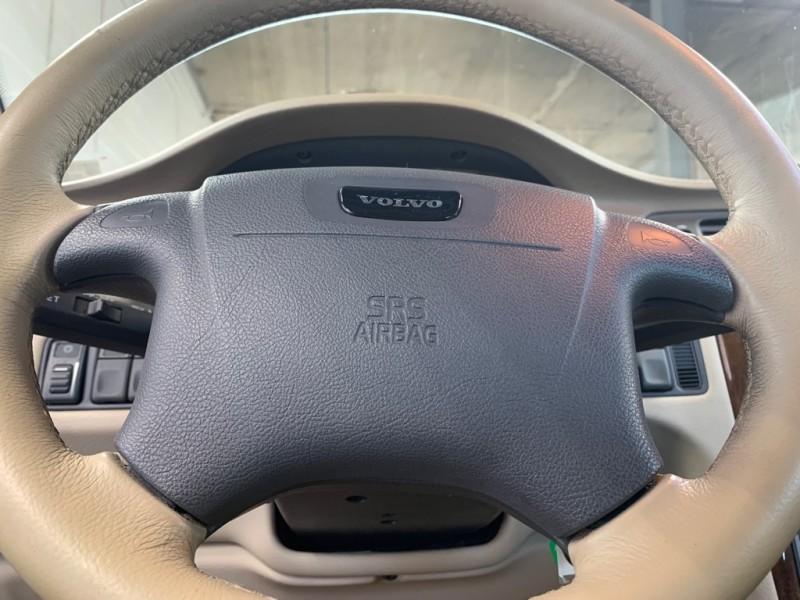 VOLVO C70 2004 price $4,995