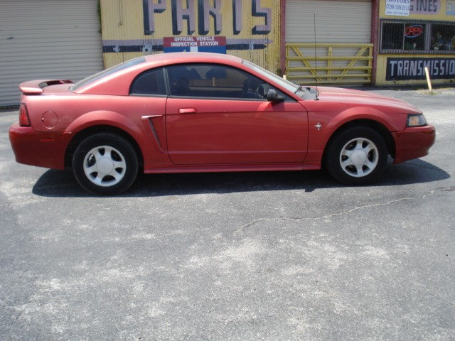 Ford Mustang 2001 price $2,990