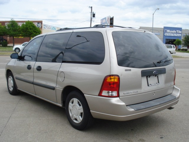 2003 ford windstar lx very clean dependable. Black Bedroom Furniture Sets. Home Design Ideas