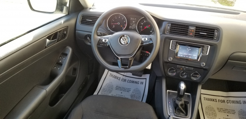 Volkswagen Jetta 2016 price $7,900 Cash