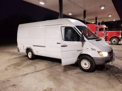 2006 Dodge Sprinter Cargo 2500 High Roof 158 WB 3dr Extended Cargo Van high ceiling Made by Mercedes