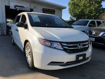 2015 Honda Odyssey LX 4dr Mini Van 41k miles