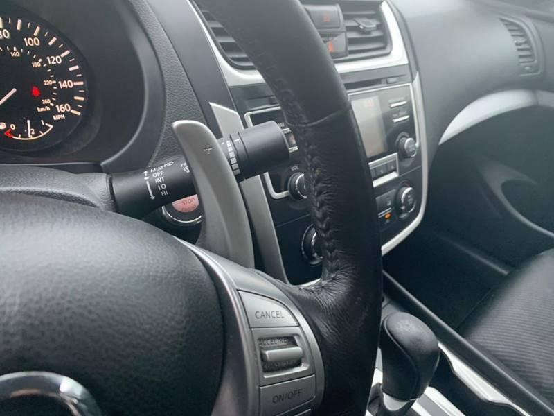 Nissan Altima 2016 price $7,777