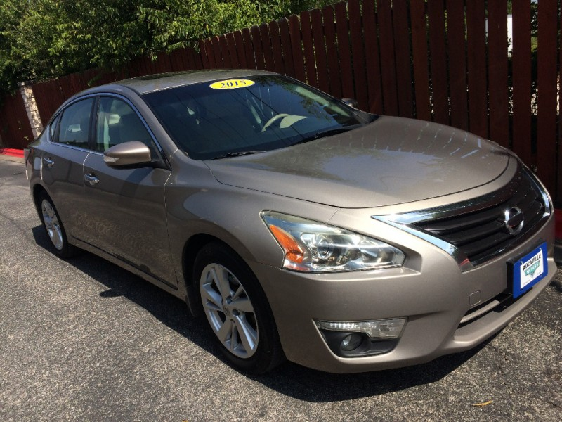 Nissan Altima 2015 price $11,875 Cash