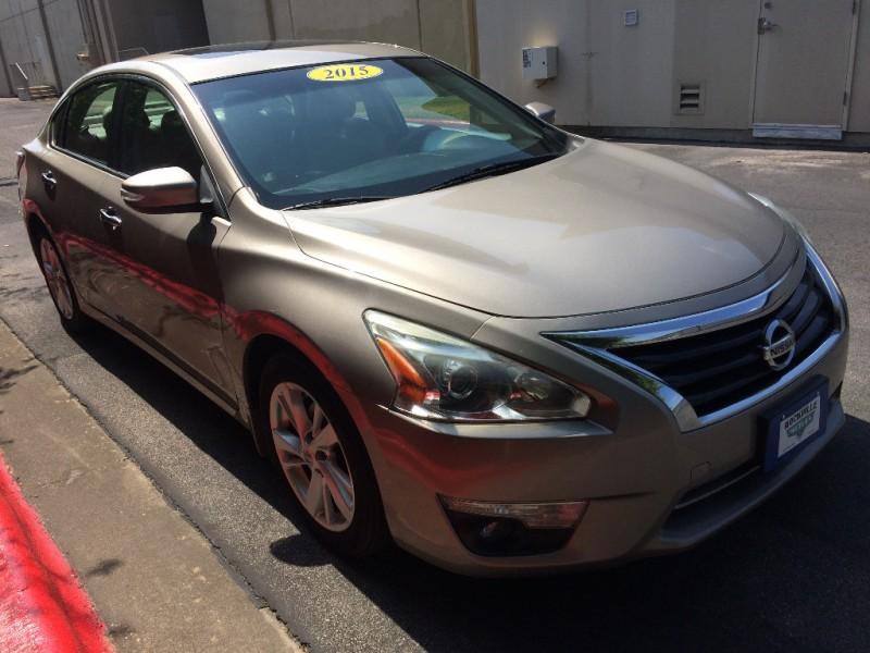 Nissan Altima 2015 price $11,875 Cash