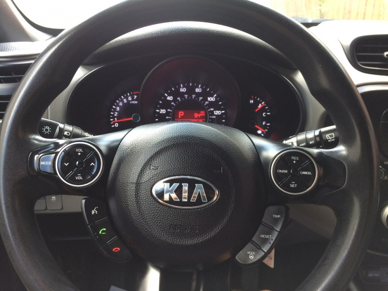 Kia Soul 2015 price $10,950 Cash
