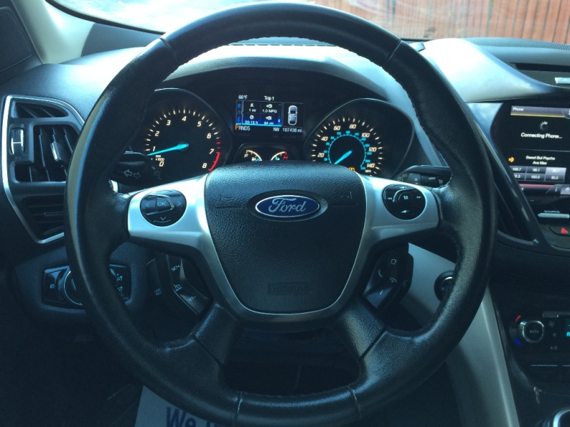 Ford Escape 2013 price $9,450 Cash