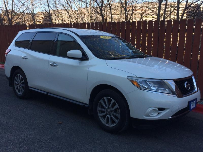 Nissan Pathfinder 2014 price $9,450 Cash