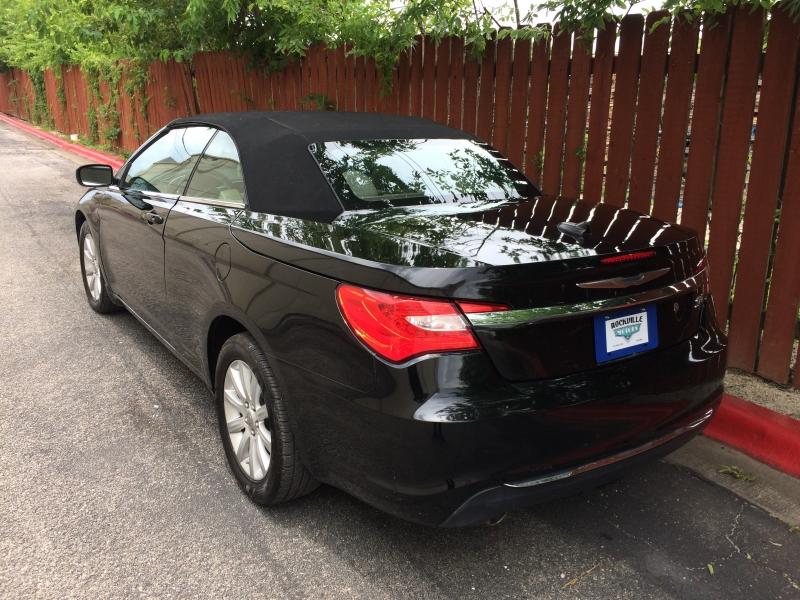 Chrysler 200 2012 price $7,785