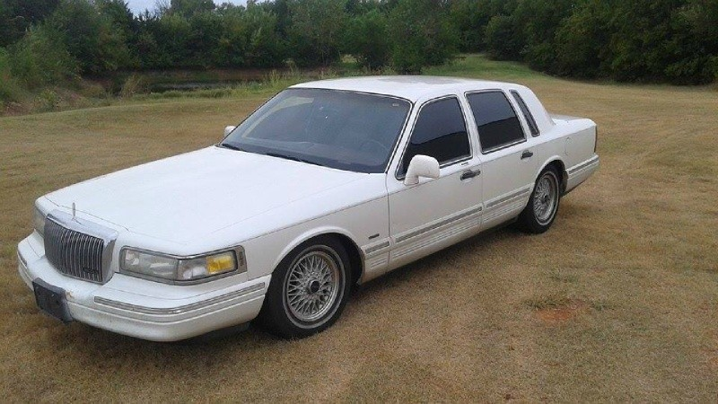 Elegant 1996 Lincoln town Car Air Suspension