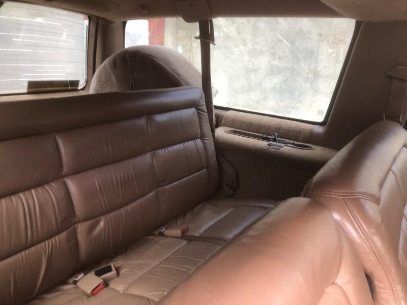 CHEVROLET SUBURBAN 1994 price $1,200