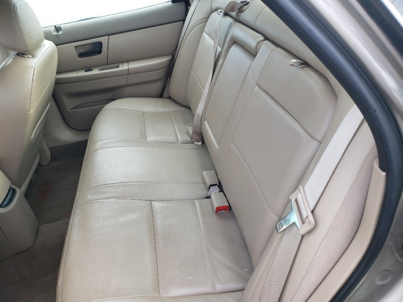 Ford Taurus 2004 price $4,999