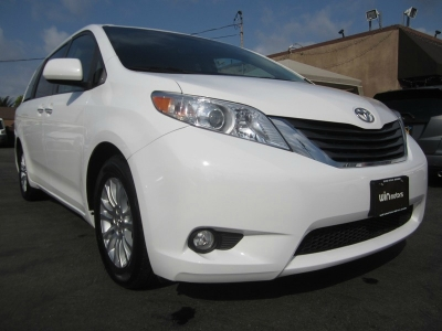 2011 Toyota Sienna 5dr 7-Pass Van V6 XLE AAS FWD