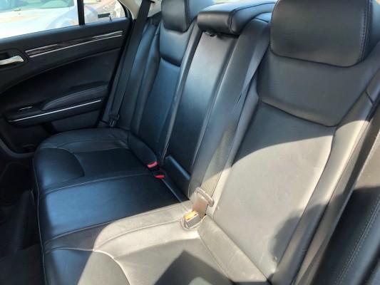 Chrysler 300 2016 price $11,977
