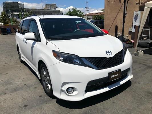 Toyota Sienna 2014 price $18,977