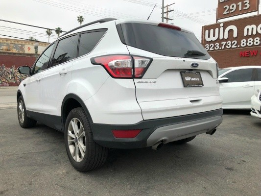 Ford Escape 2018 price $15,977