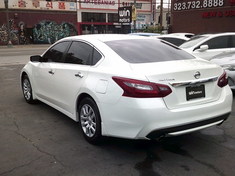 Nissan Altima 2018 price $12,977