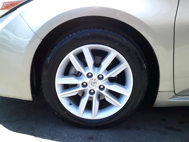 Toyota Avalon 2014 price $13,977
