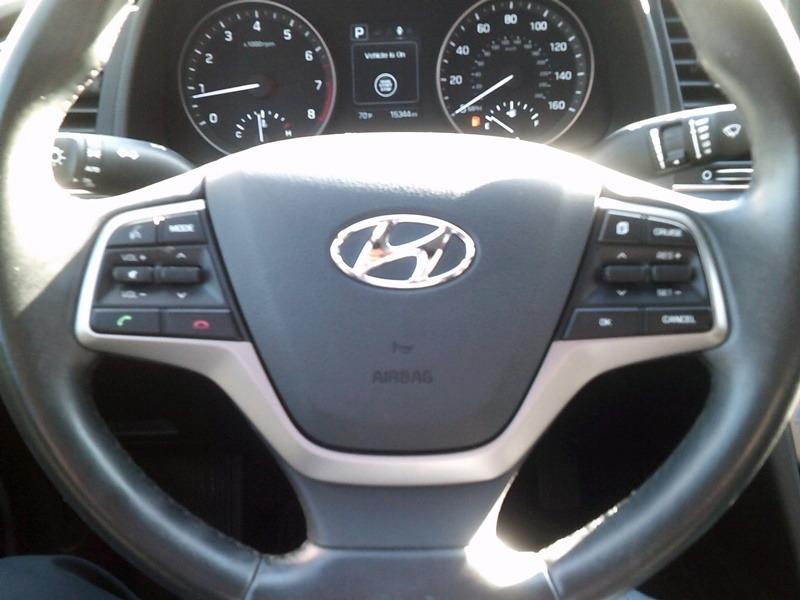 Hyundai Elantra 2018 price $13,777