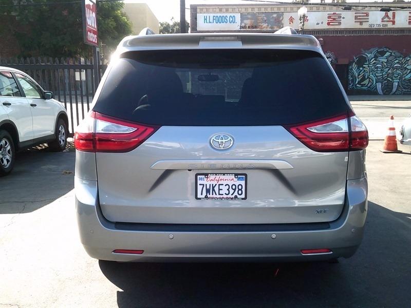 Toyota Sienna 2015 price $15,977
